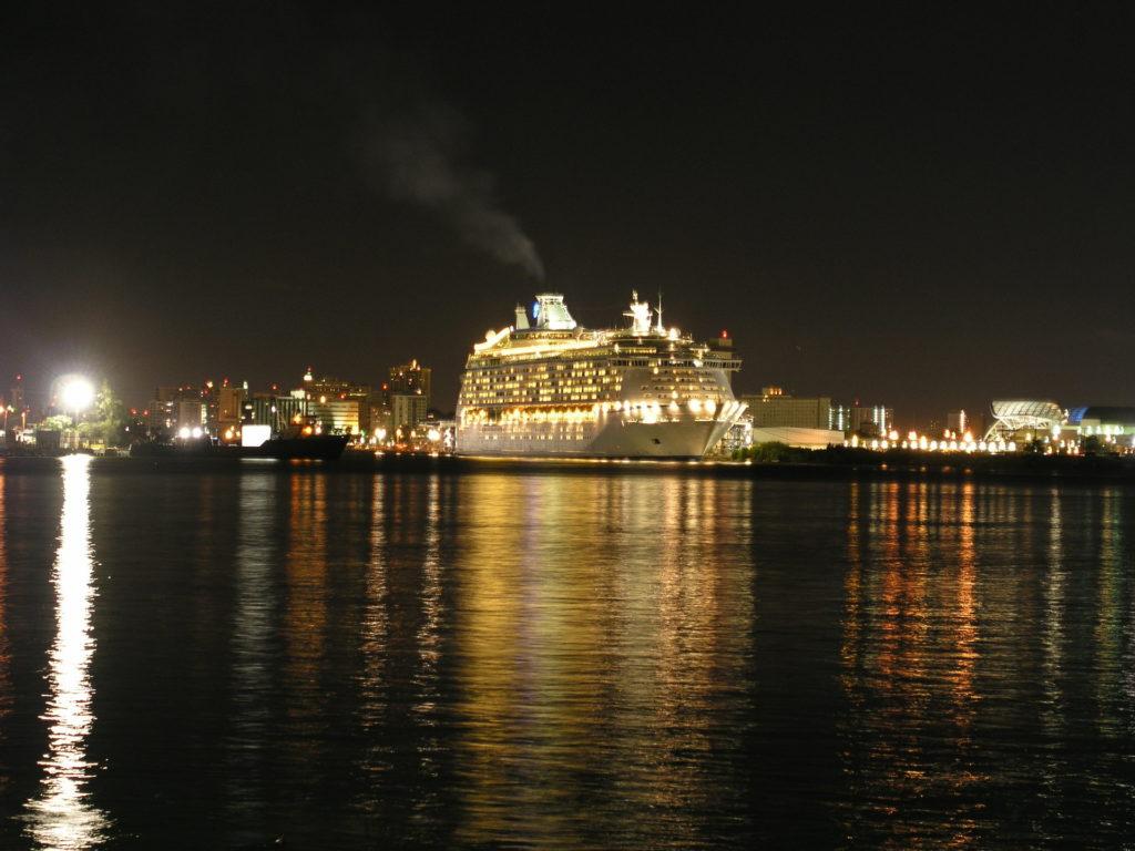 rejs statkiem nocą